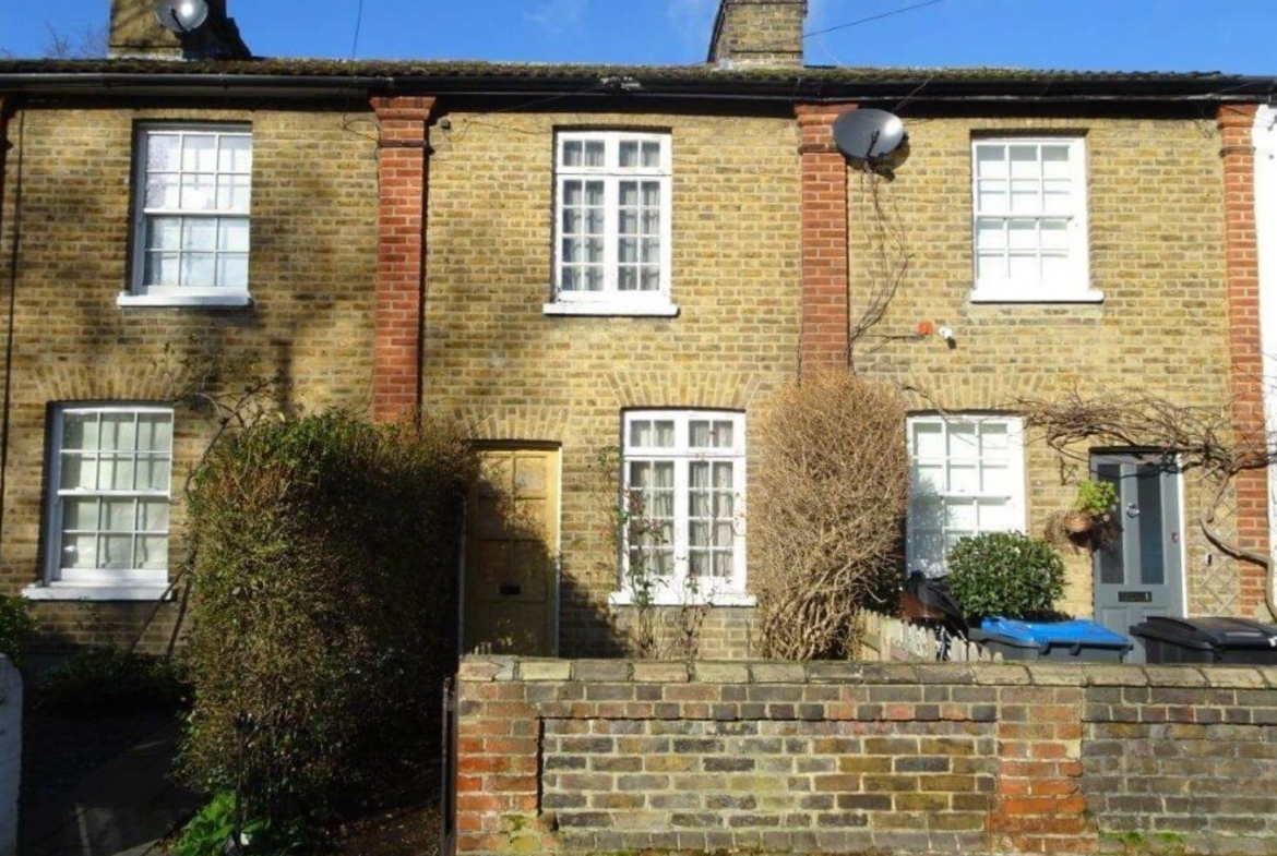 Distress auction investment in Kingston upon Thames